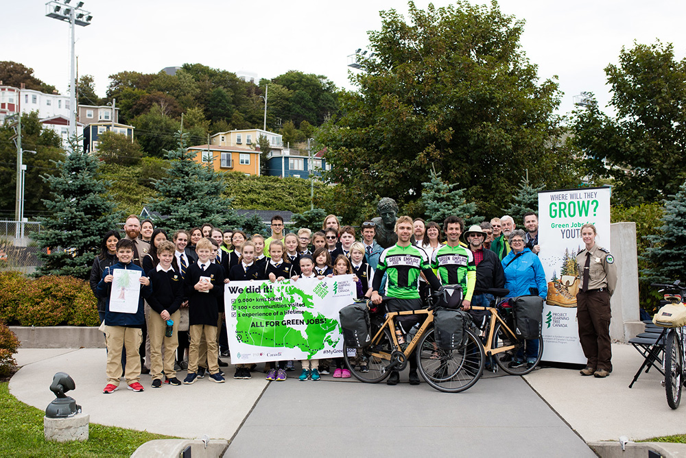 Group shot of Green Ride supporters